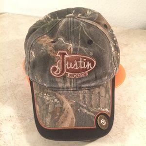 Mossy oak Justin boots cap with shotgun shell